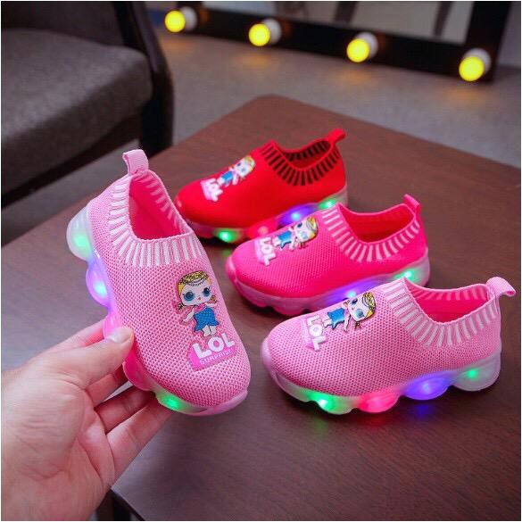 koleksi foto dan model serta gambar sepatu anak perempuan slip on 01 lampu led size 23 30 usia 15 4 tahun i dari Sepatu Anak Perempuan