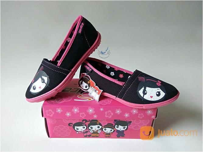 koleksi foto dan model serta gambar sepatu anak perempuan sepatu dan sendal terkait Sepatu Anak Perempuan
