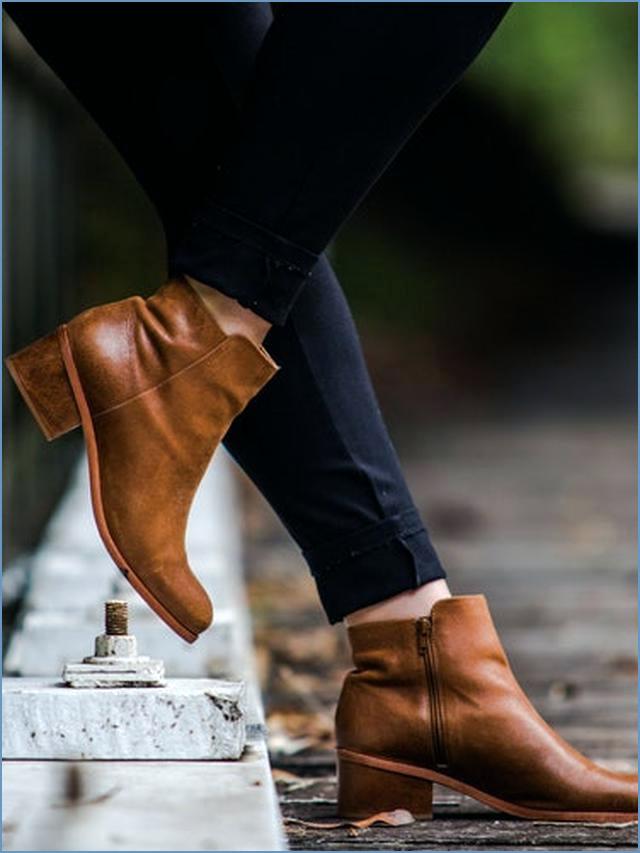 3 tentang Sepatu High Heels Wanita