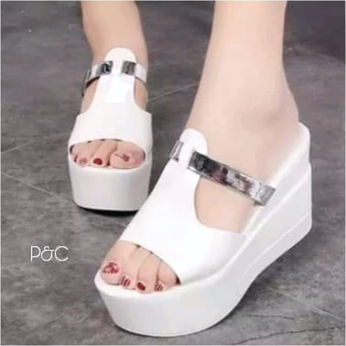 koleksi foto dan model serta gambar d38cb570 13db 40c4 b268 d d872 378 378 mengenai Jual sandal wedges sandal wanita silver Kota Bandung balqis hijab