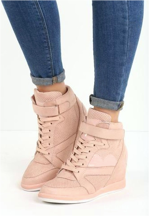 d30f43d7 3611 4371 8a22 9d f terkait 5 Model Sepatu Sneakers Wedges Wanita Paling Hits Pas untuk
