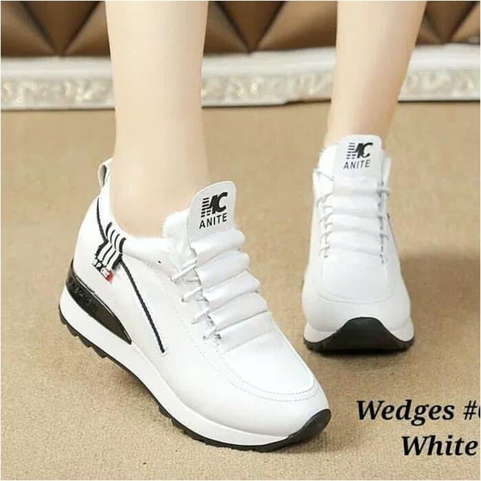 Sepatu Sneakers Wedges Wanita Semi Boot Megan Fox berhubungan dengan Sepatu Sneakers Wedges Wanita Semi Boot Megan Fox