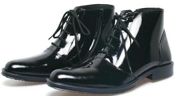 Pantofel Pria Merk Kickers