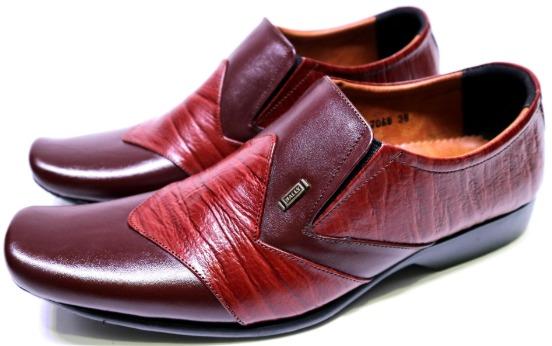 Sepatu formal Pantofel Pria Merk Bally