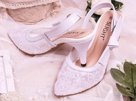 sepatu lokal wanita merk slight