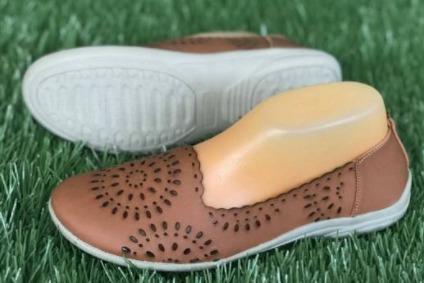 sepatu impor Kickers Geisha