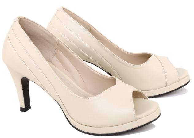 Foto gambar model Capilari - Sepatu High Heels Wanita XCJ 039