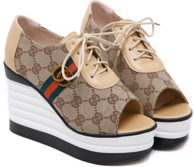 Foto gambar model sepatu wedges wanita Puspa Guccia. Wedges untuk Seserahan