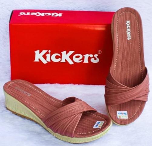 koleksi foto gambar Sandal Selop Wanita Kickers model terbaru