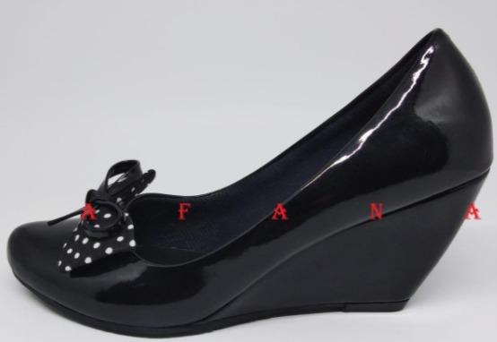 Foto gambar Sepatu Wedges Wanita Pantofel Polkadot SWG03